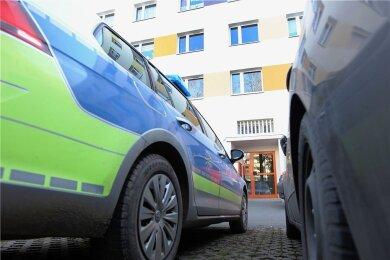 In einem Mehrfamilienhaus in Plauen war im Januar nach mehrstündiger Suche eine Babyleiche gefunden worden.