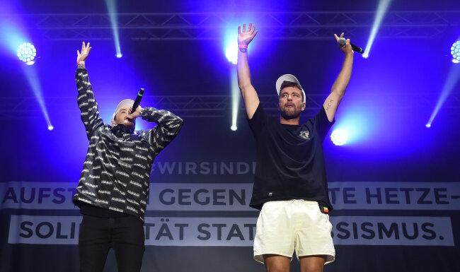 Casper und Marteria bei ihrem Auftritt am Montagabend in Chemnitz.
