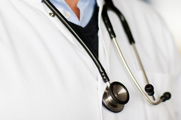 Ambulant Operieren Teil 3: Hand-OP lohnt auch im Alter