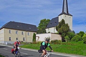 Die Kirche in Langenbach.
