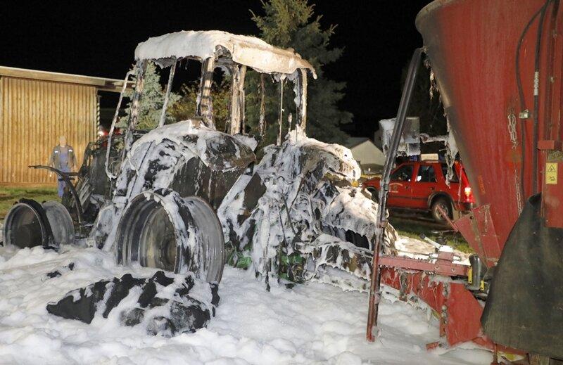 Traktor ausgebrannt