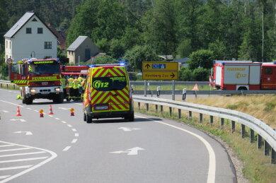 Am Samstag gegen 14:30 Uhr hat sich ein tödlicher Verkehrsunfall auf der S 282 bei Kirchberg ereignet.
