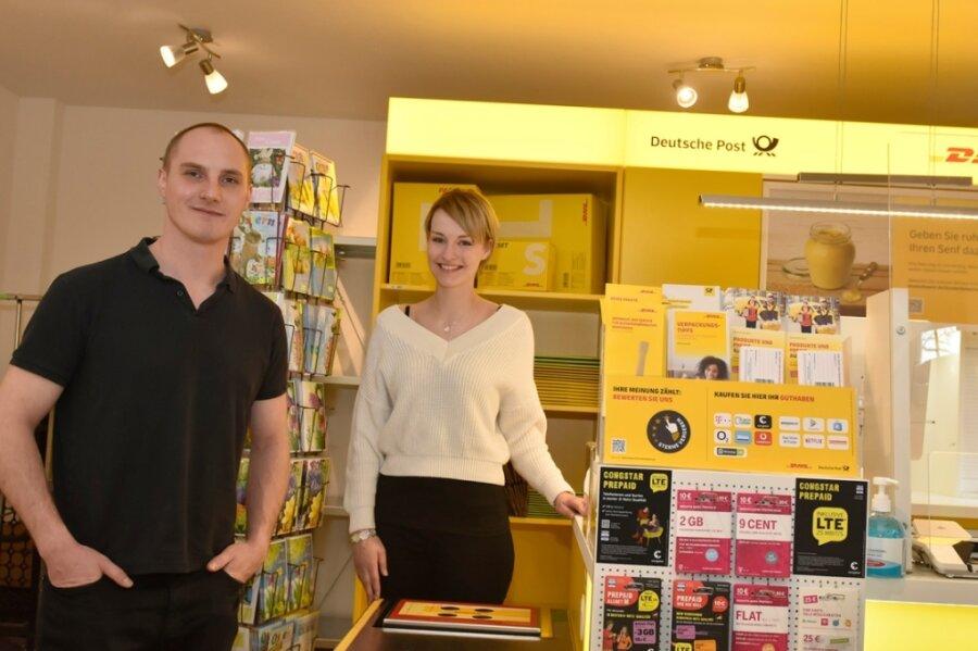 Andreas und Maria Döhla eröffnen am heutigen Montag in Bad Elster eine neue Postfiliale.