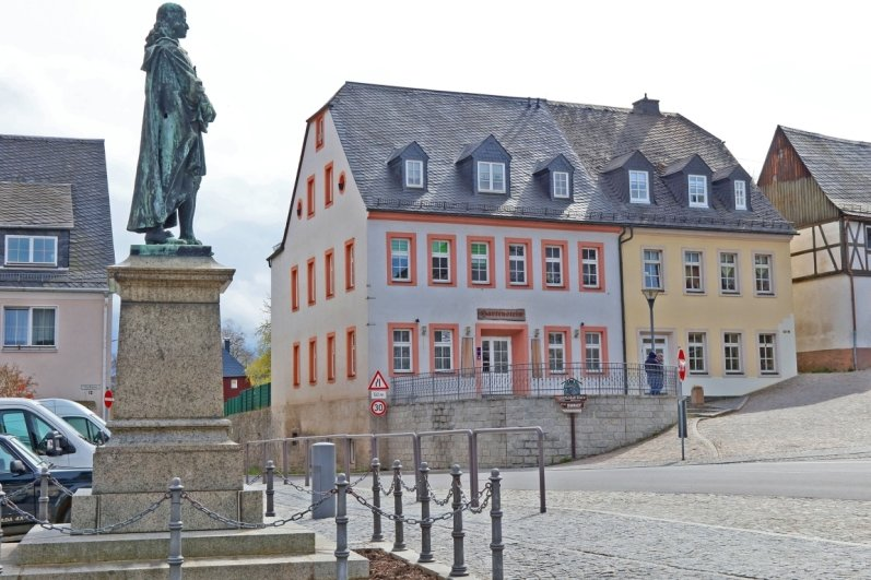 Hartenstein kauft Gebäude mit Ratskeller