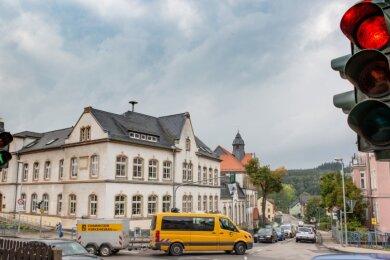 """Die Grundschule """"Friedrich Schiller"""" in Flöha. Ab nächste Woche soll es wieder Präsenzunterricht im Wechselmodell geben."""
