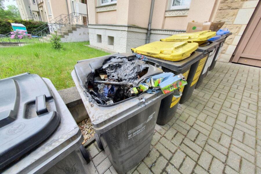 Wieder brennen Mülltonnen in Chemnitz
