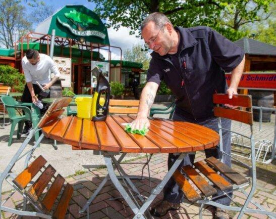 Im Plauener Vogtlandgarten laufen die Vorbereitungen auf die Öffnung am Samstag auf Hochtouren.