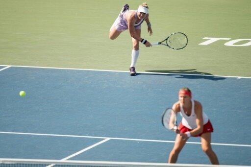 Mattek-Sands und Safarova (v.l.) gewinnen US-Open-Doppel