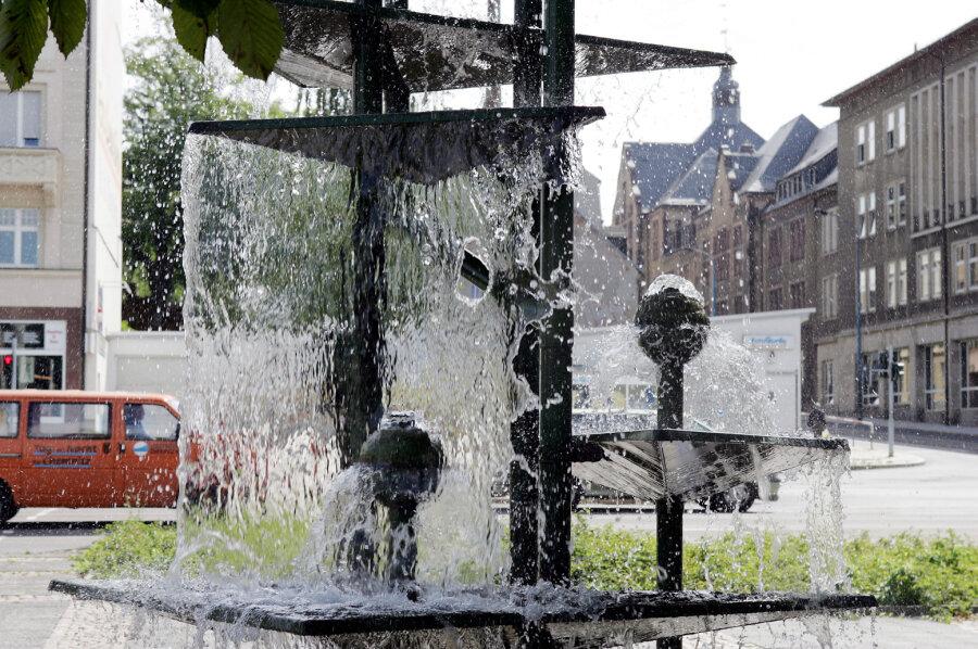 Klapperbrunnen bleibt am Busbahnhof