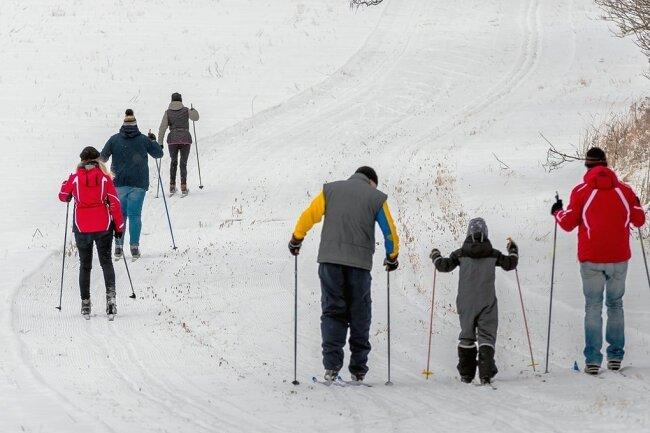 """Die etwa 3,5 Kilometer lange Olbernhauer Rundloipe liegt oberhalb des Skiliftes """"Frankwarte"""". Der Einstieg ist im Bereich Rübenauer Weg/Königsweg möglich."""