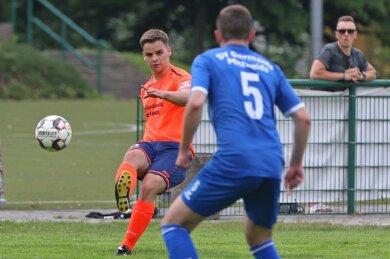 Im Spiel gegen Mittweida überzeugten Maximilian Pätzold (links) und der Oberlungwitzer SV. Trainer René Schreiter hat trotzdem Sorgen.