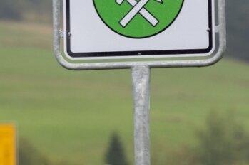 Fünf der 64 Begrüßungstafeln im Erzgebirgskreis gibt es nun in tschechischer Sprache.