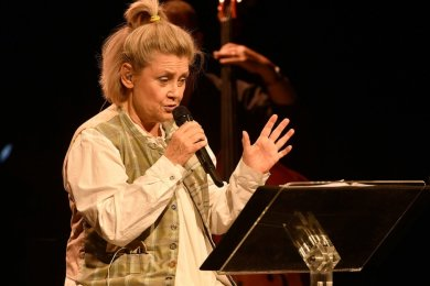 Gitte Hænning gastierte am Samstag im König-Albert-Theater Bad Elster. Die Sängerin aus Dänemark begeisterte mit ihrer ausdrucksstarken Stimme.