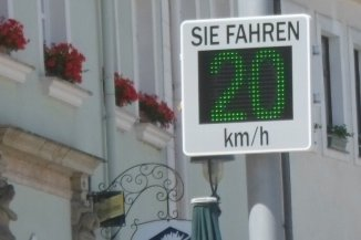 Leser wünscht sich Tempo-Display an der B 174 in Großolbersdorf