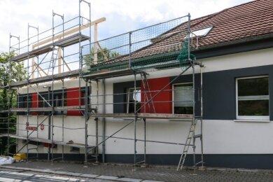 Auf dem Zeller Berg in Aue wird gebaut: Die Johanniter-Unfall-Hilfe erweitert ihre Geschäftsstelle an der Kantstraße.