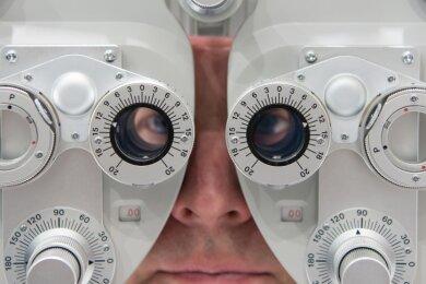 Nachdem seine Augenärztin in den Ruhestand gegangen war, machte sich ein Rentner auf die Suche nach seiner Patientenakte. Erst nach mehreren Monaten erfuhr er, dass die Praxis weiterbesteht - jedoch an einem anderen Standort.