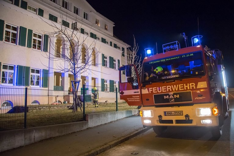 In Annaberg-Buchholz geriet auf einem Balkon Möbel in Brand - offenbar durch einen unsachgemäß abgeschossenen Feuerwerkskörper.