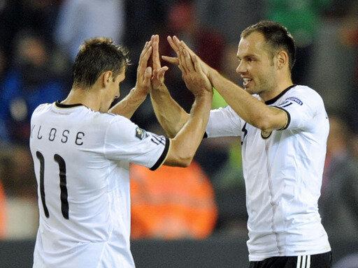 Torschützen unter sich: Miroslav Klose (l.) und Heiko Westermann