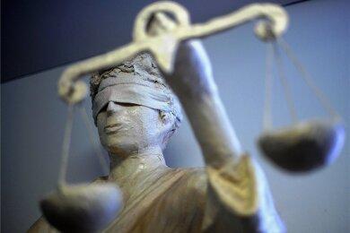 Eine Strafanzeige wegen Verleumdung hat jetzt die Geschäftsleitung der Awo Vogtland gegen eine Verdi-Gewerkschaftssekretärin gestellt.
