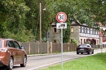 Für Lkw gilt in Wechselburg jetzt Tempo 30.