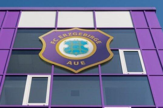 Tausende von Zuschauern beim Spiel Erzgebirge Aue gegen FC Magdeburg erlaubt