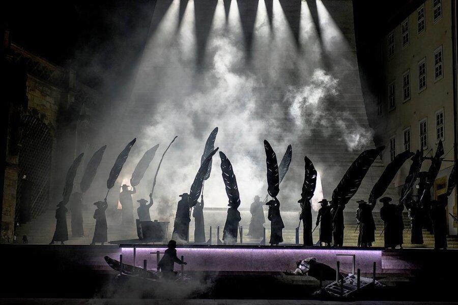 Domstufenfestspiele in Erfurt: Große Oper am Rand zum noblen Comic