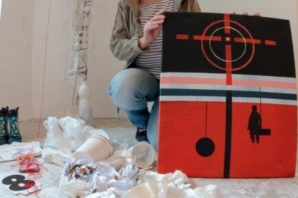 """Sabine Sachs steuerte acht Kunstwerke zur Ausstellung """"Im tiefsten Wald"""" bei. Dabei setzte sie sich wie die anderen Künstler mit einem vorgegebenen Kunstwerk auseinander."""