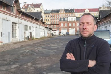 Der Hof der künftigen Stadtwirtschaft könnte bald belebt sein, Andreas Kaiser müsste dafür aber Platz abgeben, den er gewerblich nutzt.