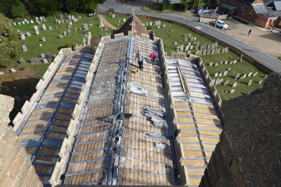 Diebe stehlen komplettes Kirchendach in Großbritannien