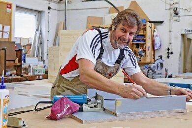 Bernd Oelschlägel ist Leiter der Theatertischlerei in Zwickau.