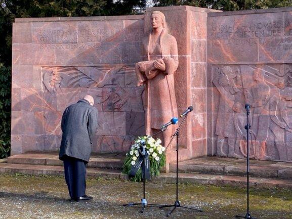 OB Sven Schulze beim Gedenkakt.