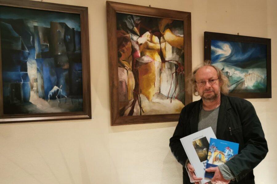 Matthias Zwarg hat die Laudatio zur Ausstellung mit Bildern der verstorbenen Angelika Zwarg gehalten.