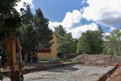 """Auf dem Gelände der Kita """"Regenbogen"""" entsteht ein neues Hortgebäude."""