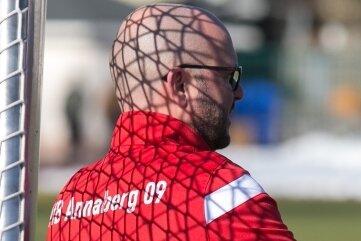 Im Coronanetz gefangen - oder wo führt die Fußballreise demnächst hin? Annabergs VfB-Vorsitzender Willy Beckert weiß dies ebensowenig wie all die anderen Ehrenamtlichen in den Vereinen und Verbänden.