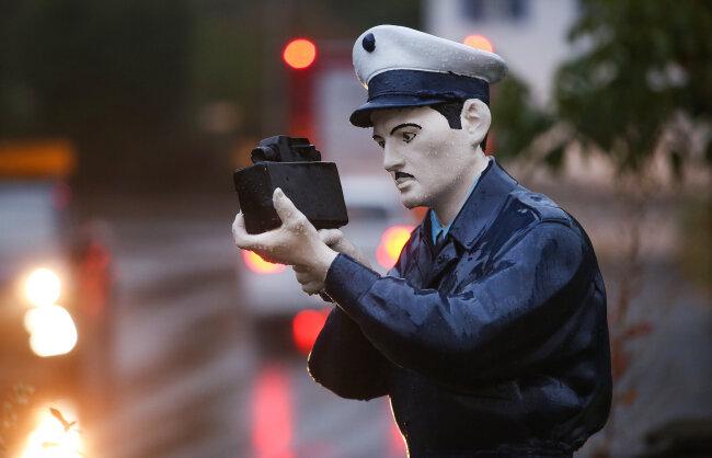 Auf Wacht: der falsche Polizist.