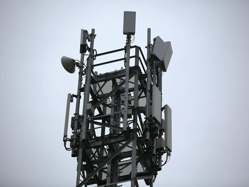 Eine 5G-Antenne auf einem Testgelände in Neuss. Das Bundeskartellamt hat die Vergaberegeln für 5G-Netze gelobt.