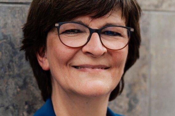SPD-Chefin beantwortet Fragen