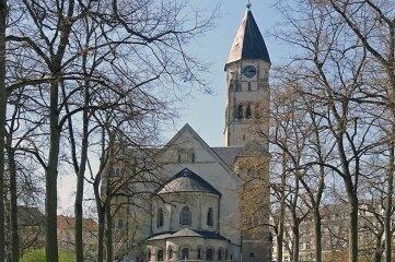 Die Markuskirche im Plauener Stadtteil Haselbrunn.