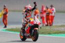 Sieg in der MotoGP: Marc Márquez jubelt am Sachsenring.