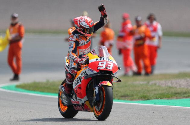 MotoGP am Sachsenring: Márquez setzt Erfolgsserie fort, Bradl 16.
