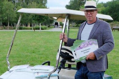 Zum zweiten Mal veranstaltet André König aus Suhl einen Gartenmarkt im Bürger- und Familienpark Oelsnitz. Künftig sollen die Veranstaltungen für Sachsen von Ursprung aus organisiert werden. Dort eröffnet Gartenkönig demnächst ein Büro.
