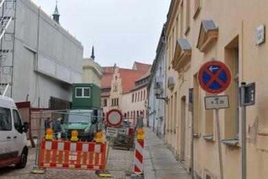 Im Herderhaus im Stadtzentrum von Freiberg entsteht eine Tiefgarage. Daher ist die Kreuzgasse bis zum 30. Juli gesperrt.