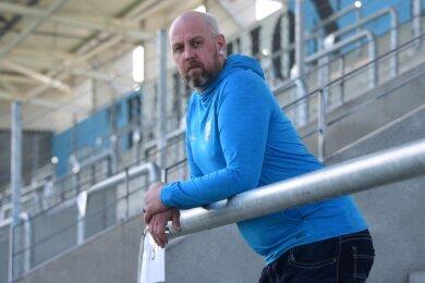 Nach Jahren in der Gastronomiebranche und zuletzt bei der Post ist Daniel Haase nun Fanbeauftragter des Chemnitzer FC. Er tritt die Nachfolge von Ralf Bernsdorf an, der den Posten aufgegeben hatte.