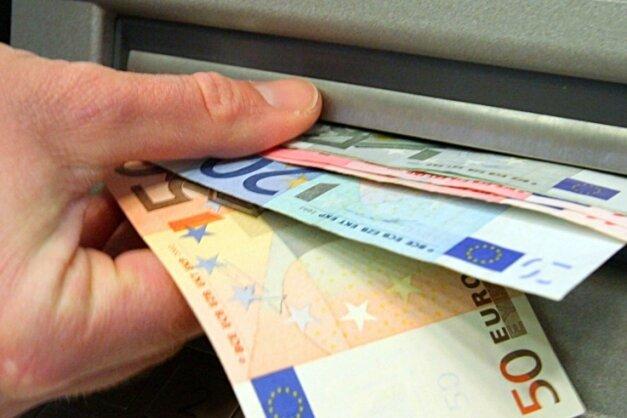 Viele Bürger fordern den Erhalt des Sparkassenautomaten.