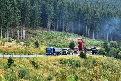 Der Bau der Bundesstraße 283 zwischen Klingenthal und Mühlleithen läuft auf Hochtouren. Der erste Abschnitt ist fertig.