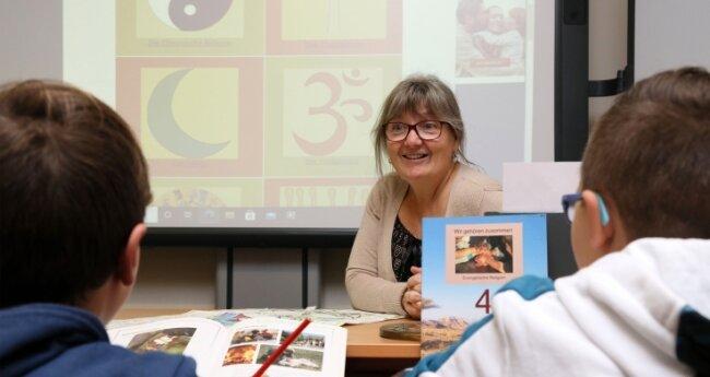 Heike Trochocki lehrt seit 25 Jahren Religion an der Adam-Ries-Schule in Zwickau-Neuplanitz.