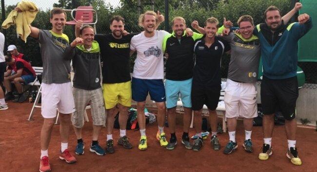 Die Herren 30 des Chemnitzer TC/Freiberg: Christian Schneider, Ronald Kraatz, Lars Hack, Christian Kleinpeter, Jiri Prokop, Milan Fiala, Alexander Kreller und Jan Marek.