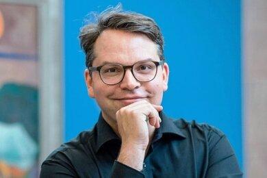 Hier ist die Energie: Generaldirektor Frédéric Bußmann in den Kunstsammlungen Chemnitz.