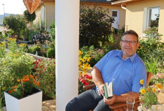 Frank Russigs Lieblingsplatz ist die Terrasse am Eigenheim, auf der er sich entspannt und Kraft sammelt.