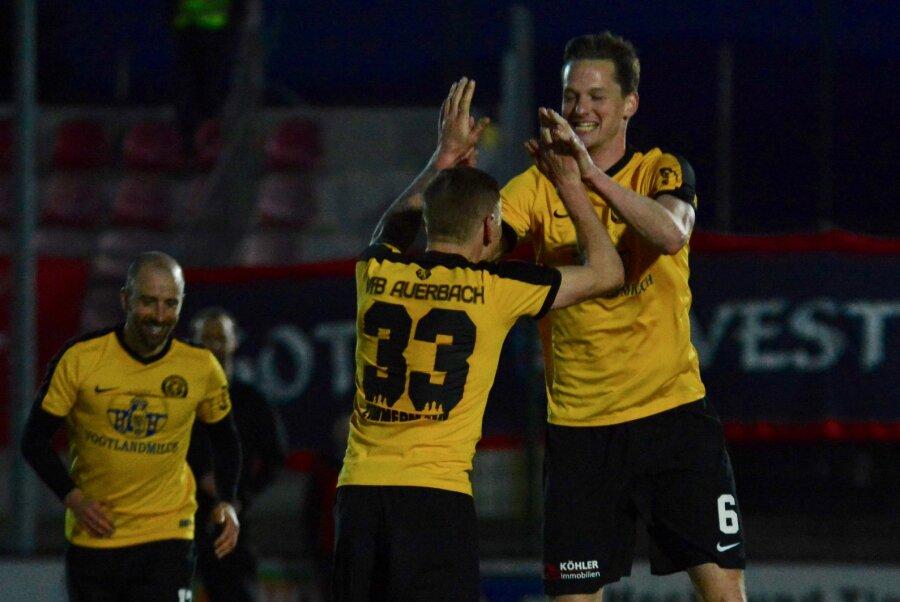 VfB Auerbach gewinnt 5:2 gegen FC Rot-Weiß Erfurt
